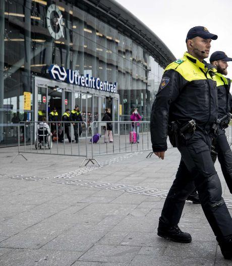 Jongen (18) die door drie jongens van 15 in buik werd gestoken bij Utrecht CS ligt nog in ziekenhuis