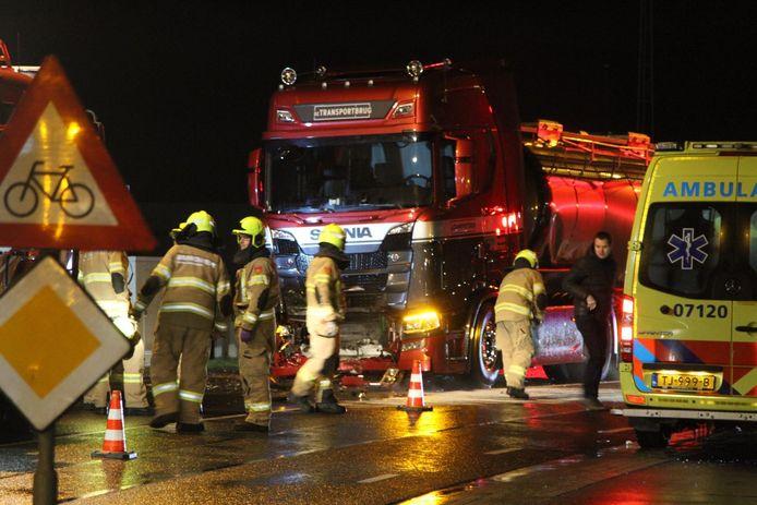 Een automobilist uit Litouwen liet zondagavond het leven bij een ongeluk in Nijkerk.