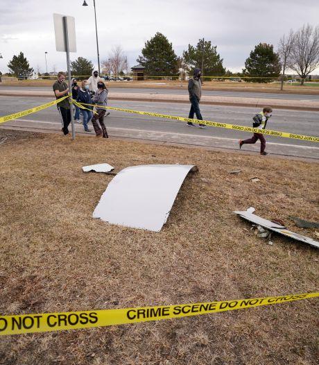 Vliegtuig verliest onderdelen boven woonwijken bij Denver