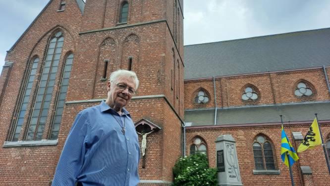 """Priester Gaby neemt na 25 jaar afscheid van Hulste: """"Elk jaar mee op kamp geweest met de Chiro"""""""