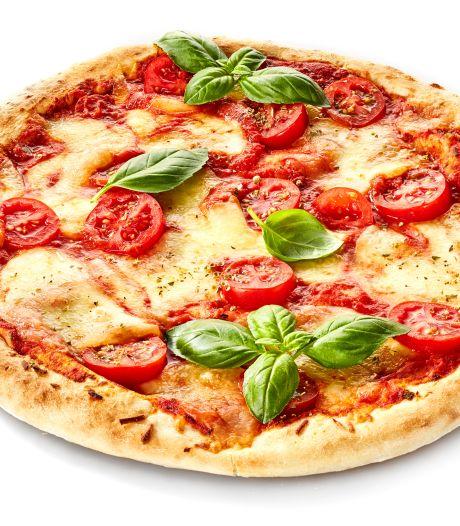 Van prosciutto tot shoarma: dit zijn de lekkerste pizza's uit de supermarkt