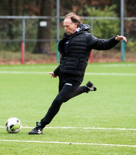 Trainer Brookhuis wint met Jong NEC overtuigend van Jong ADO
