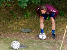Fotoserie | Selectie Willem II vermaakt zich met toernooitje voetgolf