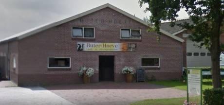 Inbrekers stelen lekkernijen bij streekwinkel in Vriezenveen: 'De wijn lieten ze staan'