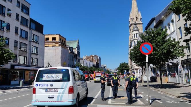 Politie bekogeld met ijsblokjes tijdens huiszoeking op Paardenmarkt