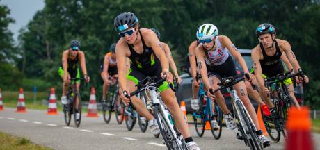 Meer dan alleen een waterrat: Roos Englebert verraste met elfde plek op het NK triatlon