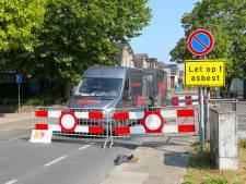 Weg in Apeldoorn deels dicht na vrijgekomen asbest bij schuurbrand