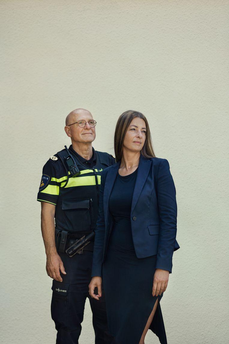 Angelique met politieagent Eric.  Beeld Mounir Raji