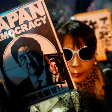 fraude-van-japanse-premier-abe-werd-uitgewist