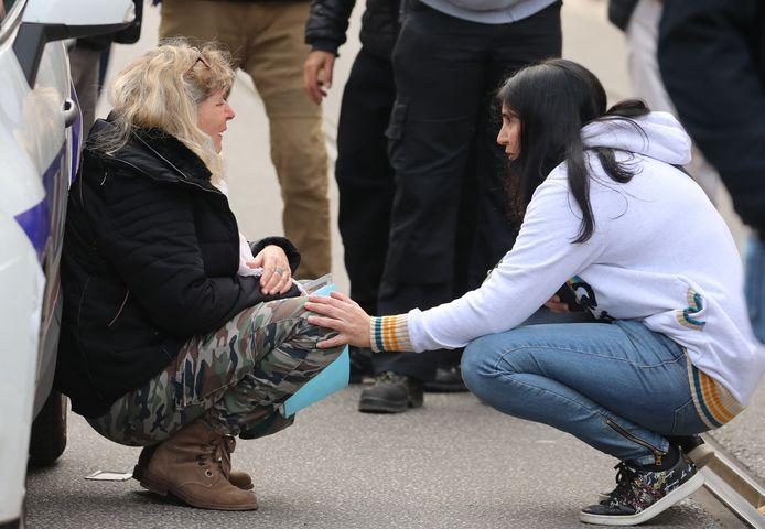 Een vrouw schreeuwt het uit na de aanslag in Nice.