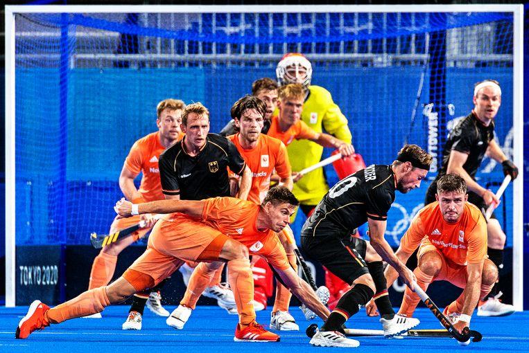 ST Japan, Tokyo, 30--07-2021 Olympische Spelen, Hockey, Mannen. Duitsland - Nederland :3-1 Het nederlandse doel staat onder druk van weer een duitse aanval. Foto: Klaas Jan van der Weij Beeld