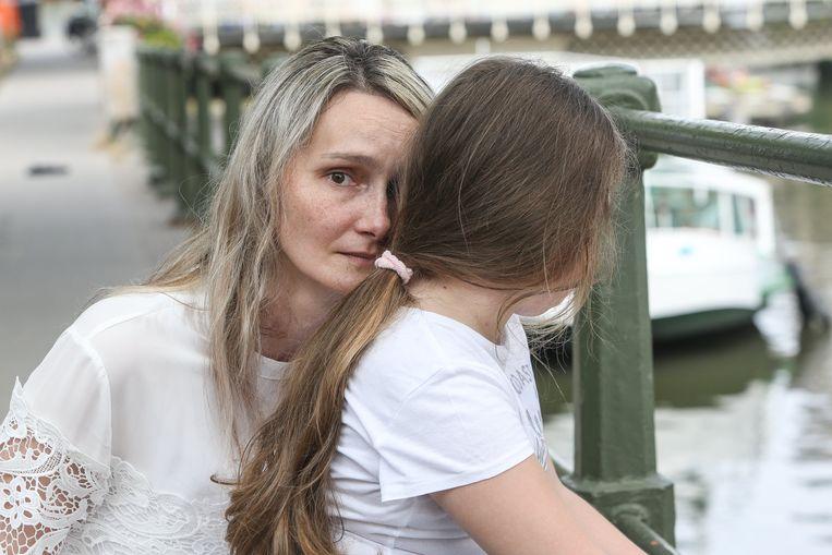 'Ik voer deze strijd voor mijn dochtertje. In september gaat ze naar de lagere school: dan zal ze heel concrete vragen beginnen te stellen. Hopelijk heb ik dan genoeg informatie.' Beeld Photo News