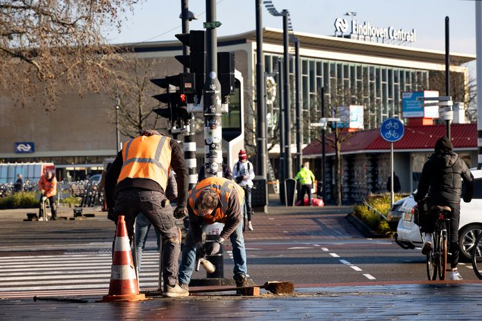 Schade bij het Centraal Station in Eindhoven