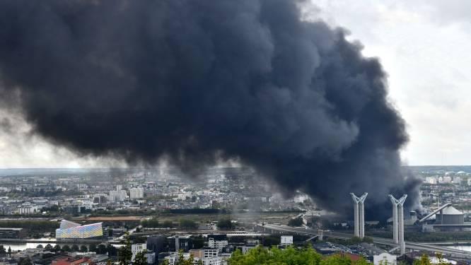 Hoge concentraties dioxine gemeten na grote fabrieksbrand in Rouen