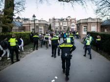 Politie reageert op beelden van slaande agent bij ontruiming Sonsbeekpark: 'Er werd geprovoceerd en beledigd'