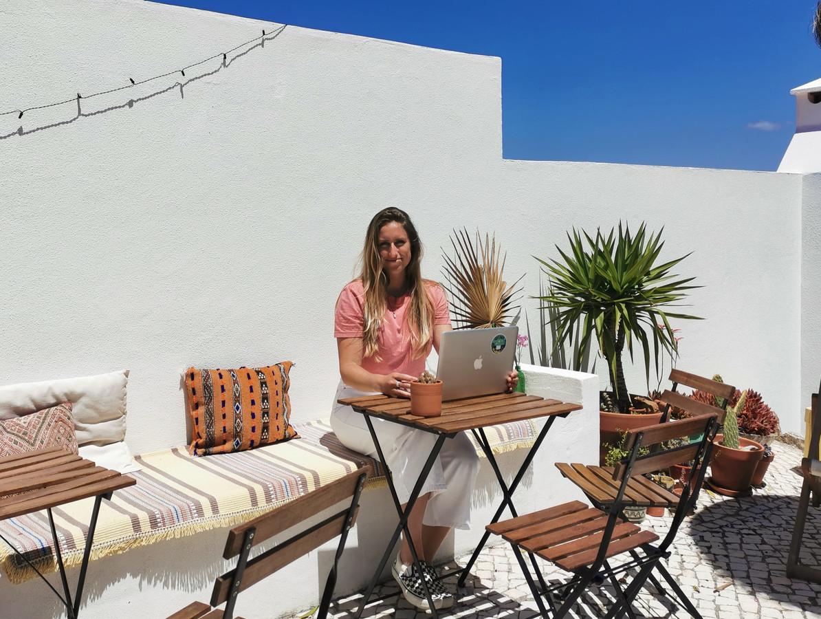 Bed & Breakfast-eigenaar Darcie Paardekooper kreeg de afgelopen dagen talloze annuleringen binnen van Nederlandse gasten die deze zomer bij haar vakantie zouden vieren.