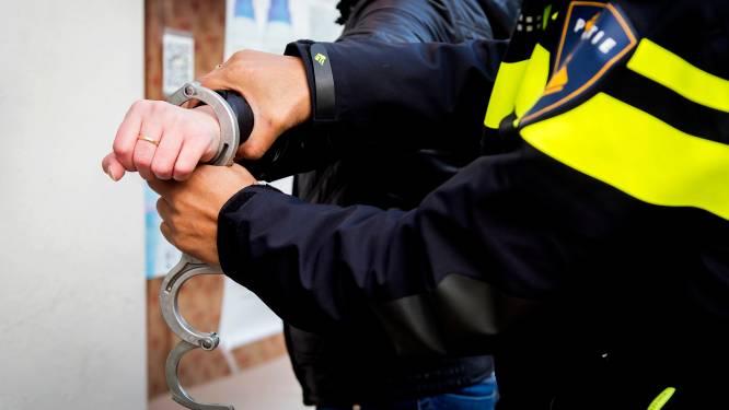 Twee mannen aangehouden na bedreiging met vuurwapen op Zoetermeerse Van Boisotring