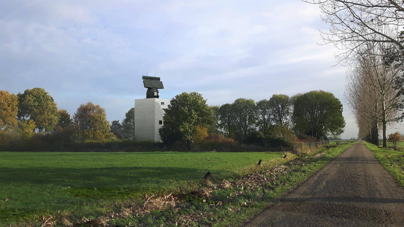Een impressie van de nog te bouwen radartoren aan de Broekgraaf in Herwijnen.