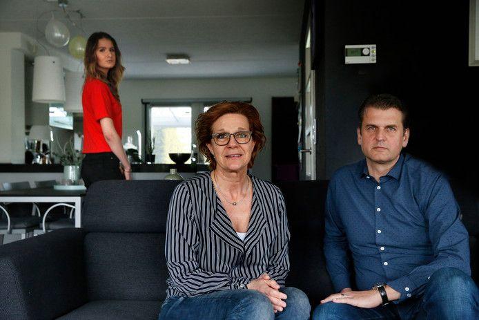 Anita en Geert Reynders samen met hun dochter Anna.