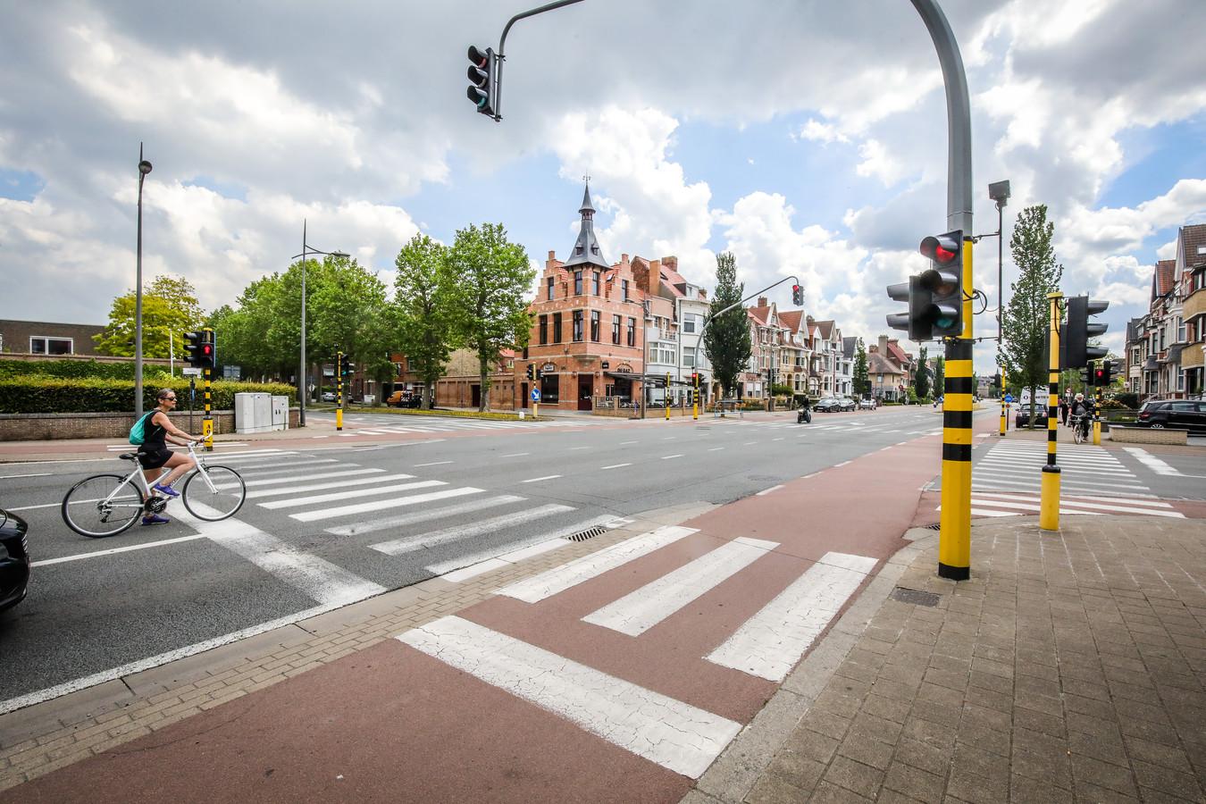 Het kruispunt van de Leopold I-laan met de Scheepsdalelaan op archiefbeeld.
