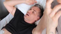 """Peter Van de Veire schreeuwt het uit aan de weeënsimulator: """"Ik moet overgeven"""""""