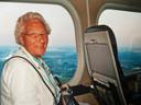 Als klein meisje zag Corrie samen met haar vader zeppelin Hindenburg op vliegveld Waalhaven. Daarom kreeg ze voor haar 90ste verjaardag een reisje met een zeppelin aangeboden.