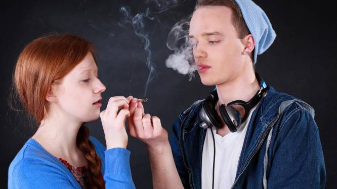 Waarom je best tot je 17de wacht voor je een eerste joint opsteekt