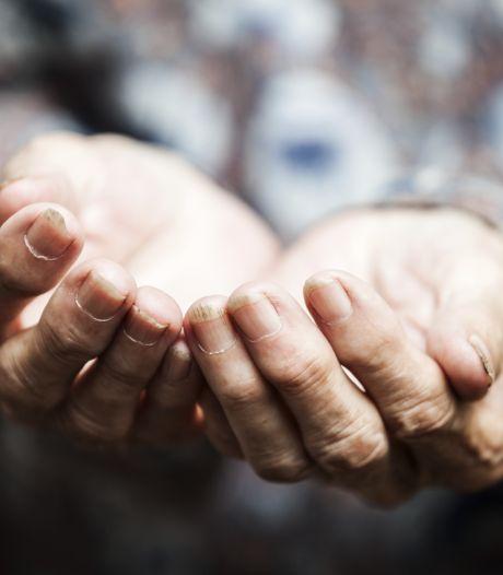 Waalwijk stelt bedelverbod in bij Bloemenoordplein: 'Overlast bedelaar is te groot'