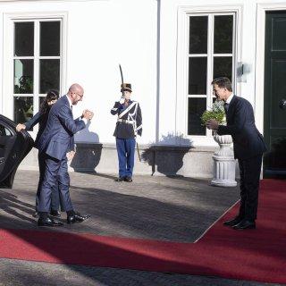 Handreiking EU-president aan 'zuinige vier': kleinere begroting en Nederland behoudt korting