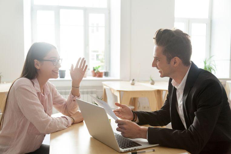 Vreemde vragen zijn vaak net bedoeld om je uit je lood te slaan. Beeld Shutterstock