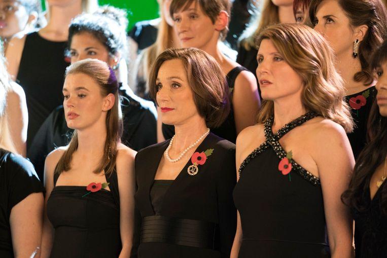 Fragment uit 'The Singing Club', met actrice Kristin Scott Thomas (centraal). Beeld rv