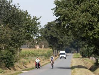Nu nog 1.000 auto's per dag, maar straks is Helchterensedijk/Peersedijk een fietsveilige verbinding