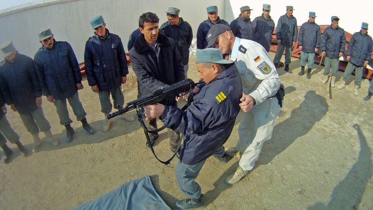 Training van Afghaanse politieagenten in Kunduz. Beeld ANP