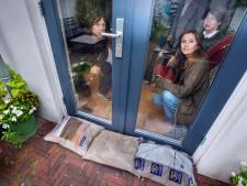 Bewoners Scheveningen kunnen wel huilen: 'Als het regent, drijven de drollen door ons huis'