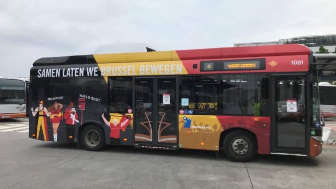 MIVB steekt Brabançonne in eigentijds jasje en dost bussen uit in Belgische tricolore