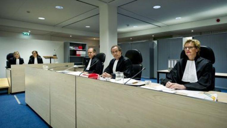 De rechters die de Amsterdamse zedenzaak behandelen in de extra beveiligde rechtbank in Amsterdam-Osdorp. ANP Beeld