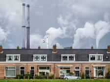Sluisdeur van grootste zeesluis ter wereld geplaatst in IJmuiden
