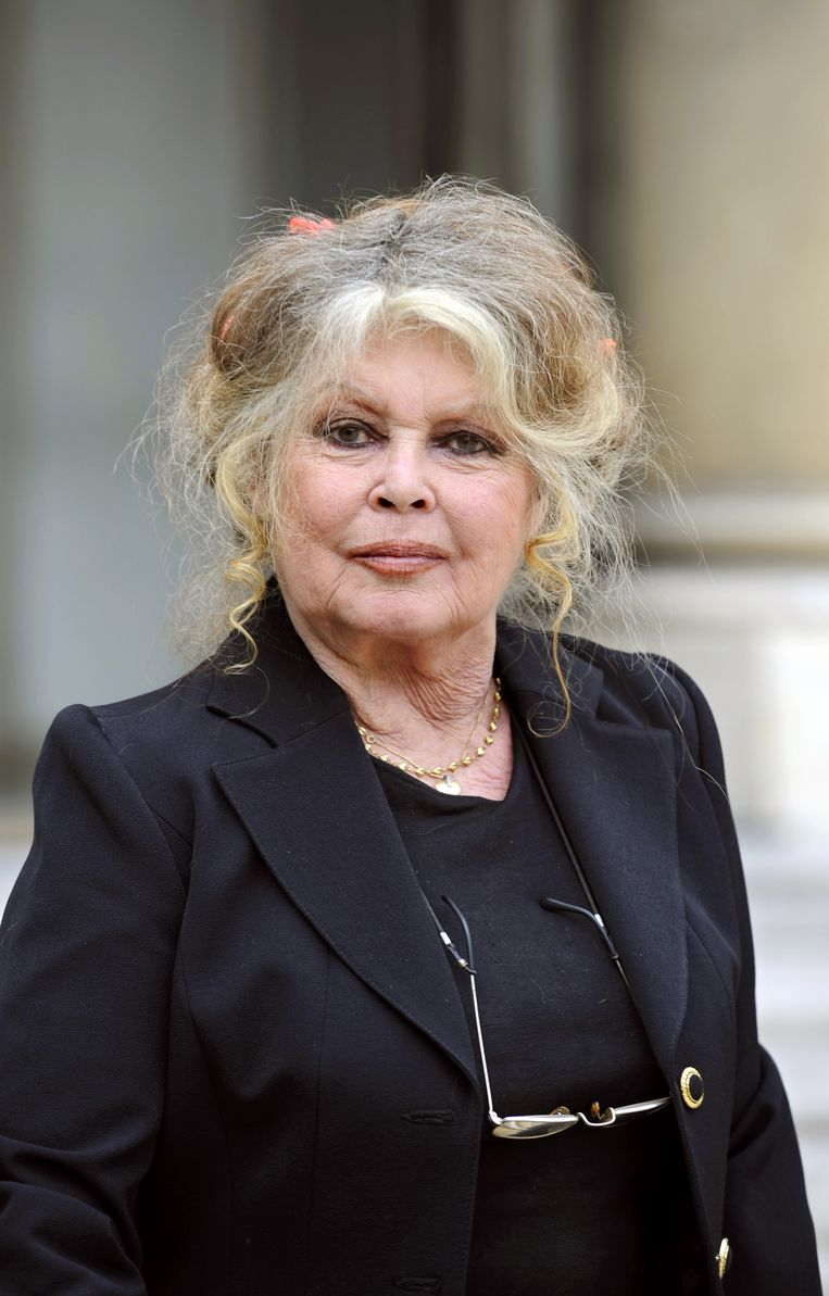 Brigitte Bardot rekent op de kat van Karl Lagerfeld om haar baasje het gebruik van bont uit het hoofd te miauwen.