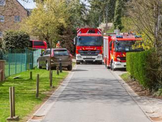 Man (82) sterft nadat hij onder gekantelde tractor terechtkomt tijdens werken in tuin van familielid