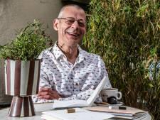 Deventer dichter maakt duurzame bundel die je leeg kunt gummen: 'Als jij het bagger vindt, heb je dat recht'