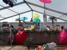 Paaspop: wakker worden met duik in zwembad