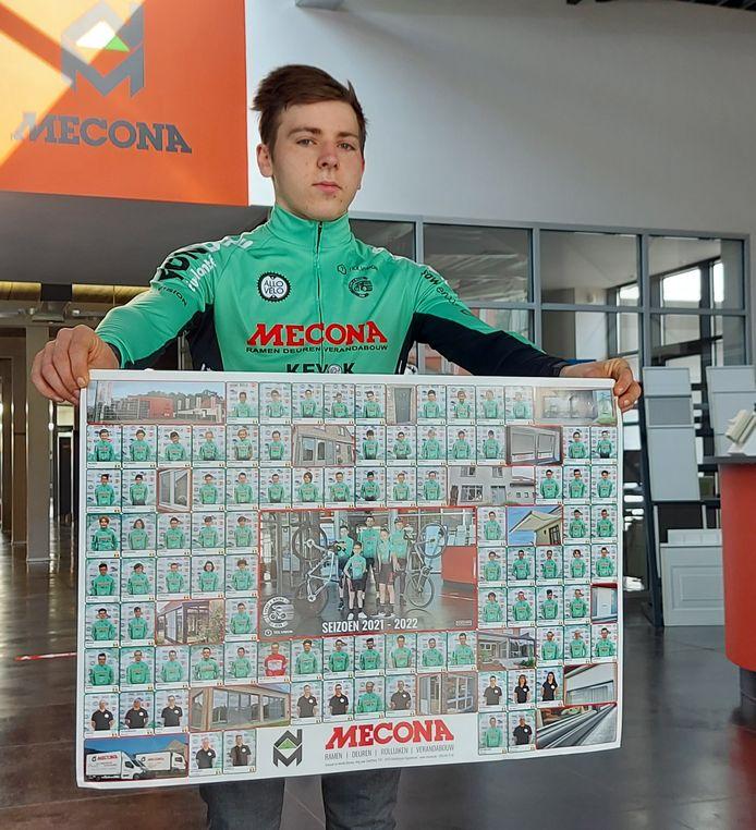 Renner Stef Schurgers met de poster.