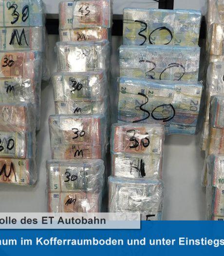 Duitse politie vindt 1 miljoen euro aan cash in busje uit Nederland
