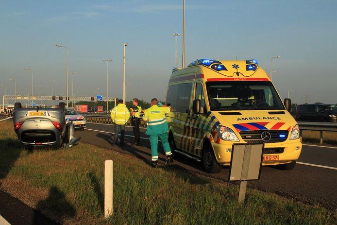Ongeluk op de verbindingsweg tussen de A1 en de A50.