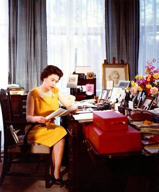"""La reine Elizabeth II sur le tournage du documentaire """"Royal Family""""."""