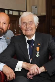 Kenneth Mayhew (104), de laatste drager van de Willemsorde uit WO II, overleden