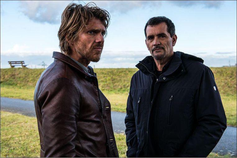 Werner De Smedt en Koen De Bouw spelen de hoofdrollen in 'Het Tweede Gelaat' van Jan Verheyen. Beeld KFD