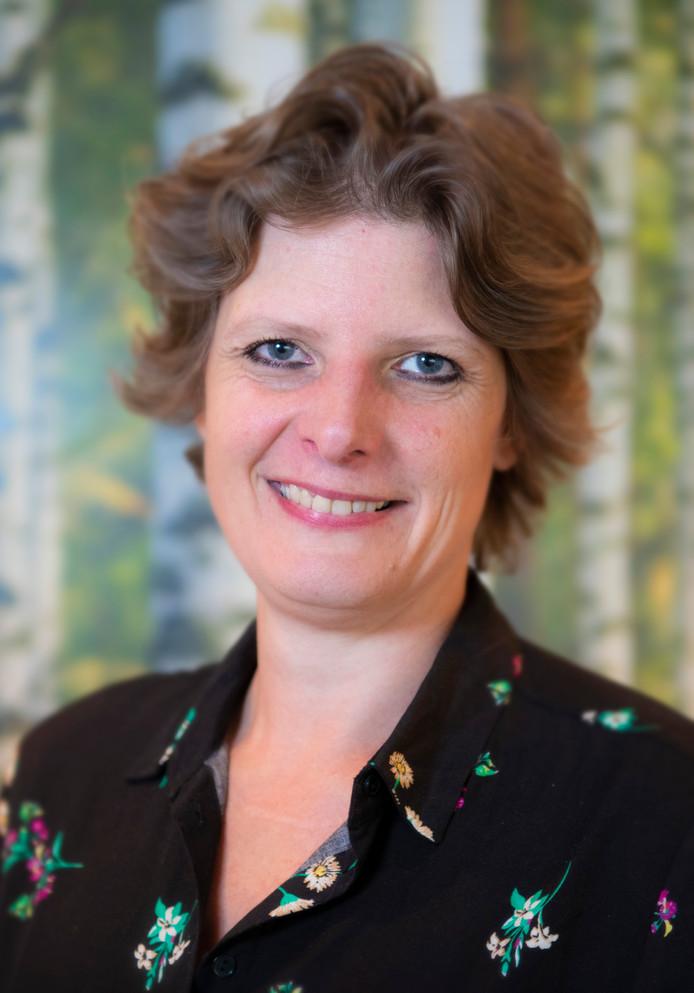 Donorkinderen dienen claim in bij nazaten wijlen Jan Karbaat. Diana Gerritse uit Apeldoorn is donorkind. Haar biologische vader is de omstreden vruchtbaarheidsdokter Jan Karbaat.