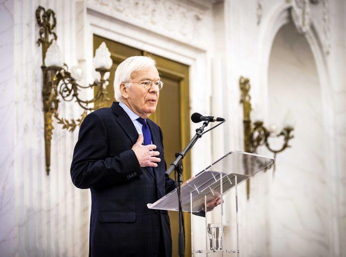 Informateur Herman Tjeenk Willink op de persconferentie over zijn eindverslag. Hij sprak met de leiders van de zeventien fracties uit de Tweede Kamer om te horen welke kant de formatie wat hen betreft op zou moeten.