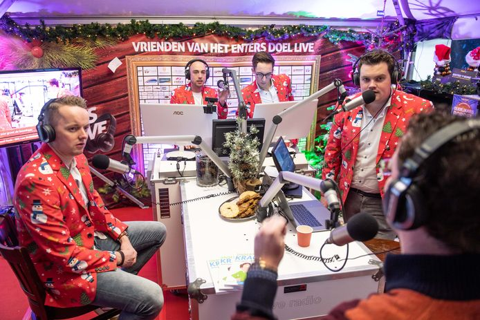 Het laatste programma waarmee Regio FM aan de weg timmerde, was de rechtstreekse uitzending van de inzamelingsactie Enters Doel Live.